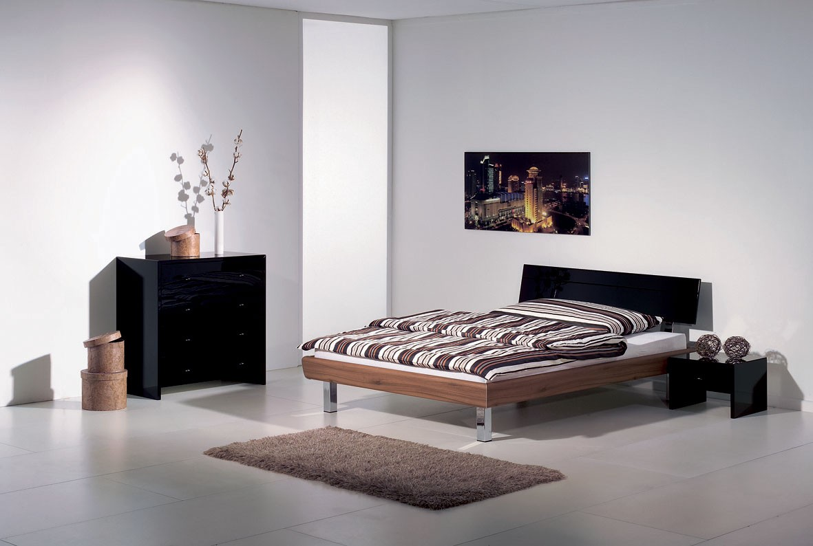 schlafzimmer lila wei schwarz. Black Bedroom Furniture Sets. Home Design Ideas